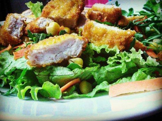 Camerino, อิตาลี: insalatona con pollo