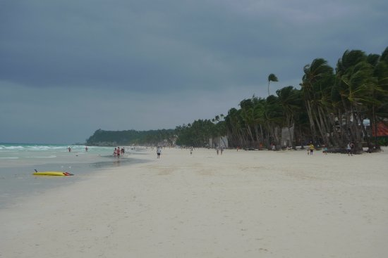 The District Boracay: View of the beach