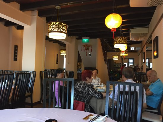 Eight Treasures Vegetarian: The second floor of the restaurant