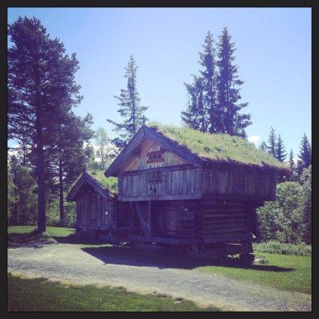 Rauland, Norwegia: Fine stabbur rundt på Telemarkstunet