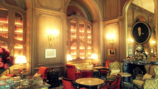 Salon proust picture of bar vendome paris tripadvisor Salon de jardin luxe vendome