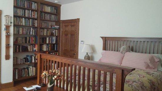 Butler, OH: Oak Room