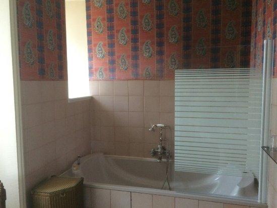 La salle de bain dans son jus de la fin des années 70 (carreaux ...