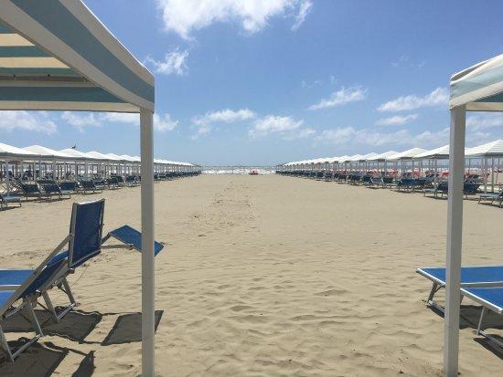 La spiaggia del bagno stella di focette foto di bagno stella focette marina di pietrasanta - Bagno italia marina di pietrasanta ...