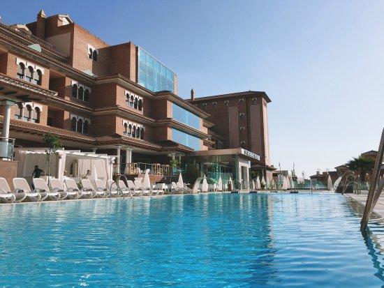 piscina exterior picture of hotel granada palace
