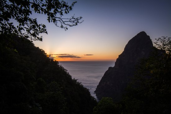 Fond Doux Plantation & Resort: Sunset over Petit Piton from Lamontangne Trail in the hotel grounds