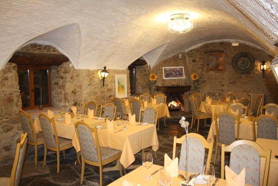 Restaurant Flor de Girasol Al Rhodas: Blick ins Restaurant