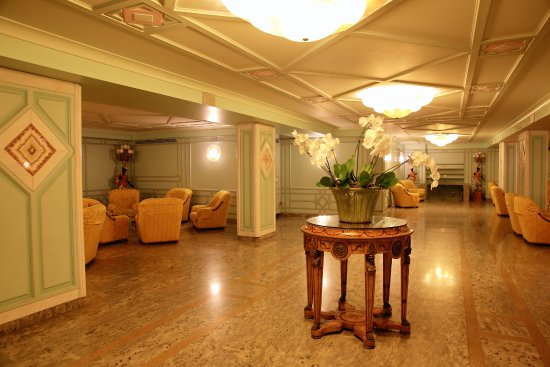 Grand Hotel Parco Del Sole: area outside dining room