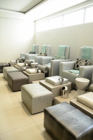 The Nail Bar boasts complete luxury and comfort - Picture of Life