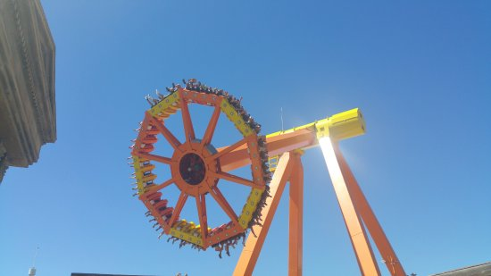 Terra Mítica: this ride was fantastic, went on well over 10 times, very cooling in the heat :)
