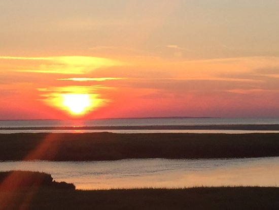 Yarmouth Port, MA: Stunning location to watch the sunset -don't miss it but do take insect spray at dusk the bugs a