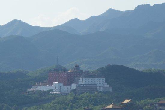 Temple of Universal Happiness (Pule si): こちらも外八廟