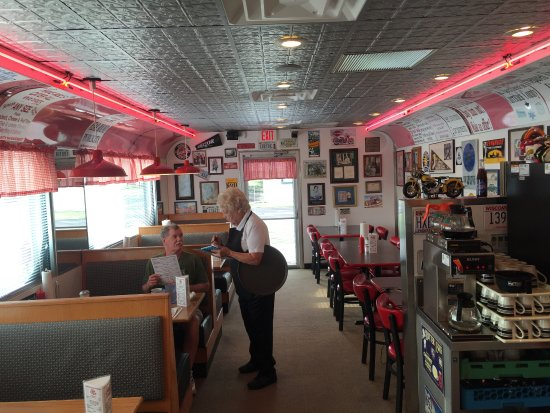 Grandy, Kuzey Carolina: What a cute diner!