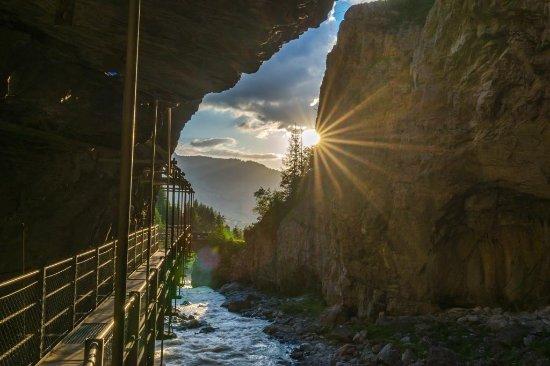 Swiss Alps, Switzerland: Blick aus der Schlucht