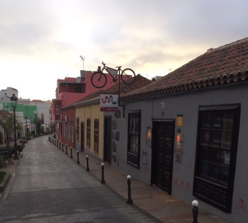los llanos de aridane chat rooms Book your los llanos de aridane accommodation now and unlock secret prices & special discounts find the best los llanos de aridane hotels, lodges, b&bs and self-catering options at.