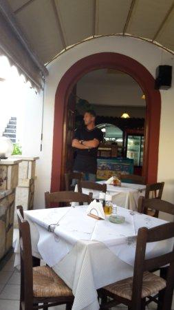 Theritas Restaurant: der sohn, Simi