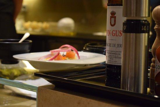 Assiette en cours de pr paration picture of nu - Restaurante nu girona ...