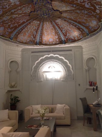 Hospes Palacio del Bailio : It is impossible not to relax here, the most beautiful, fragrant and subtle hotel. The staff are