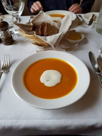 Shanagarry, Irlanda: Great soups....this is roasted tomato,peper
