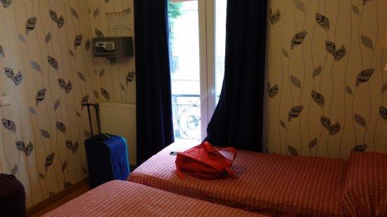 Caulaincourt Square Hostel Photo