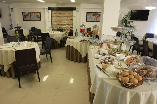 Varcaturo, Italy: Buffet -colazione