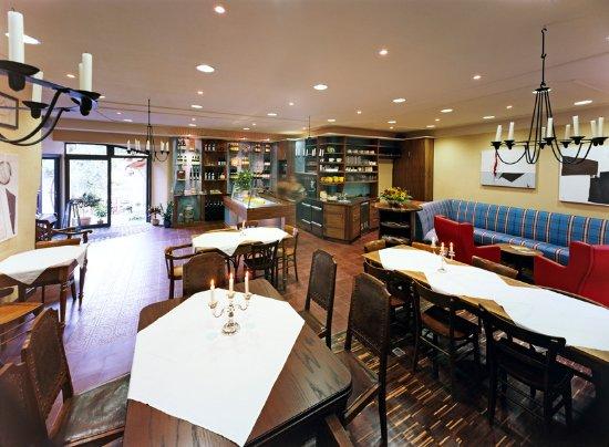 Ediger-Eller, Tyskland: das WeinCafe/Restaurant des Springiersbacher Hofes