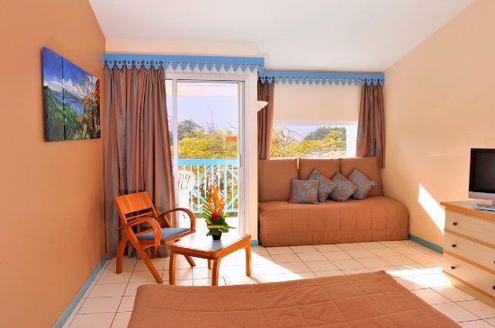 Chambre marron - Picture of Carayou Hotel & Spa, Trois-Ilets ...