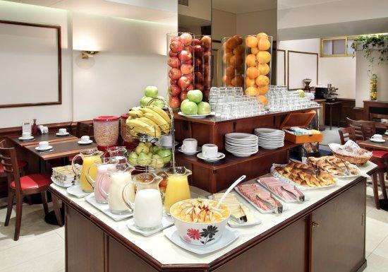 Waldorf Hotel: Desayunador