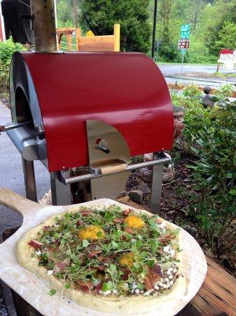 Westfir, OR: Breakfast pizza