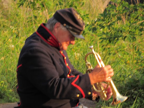 Militarny Park Narodowy Gettysburg: Thanks to the man who played period music to the sunset from Little Round Top. It was brilliant.