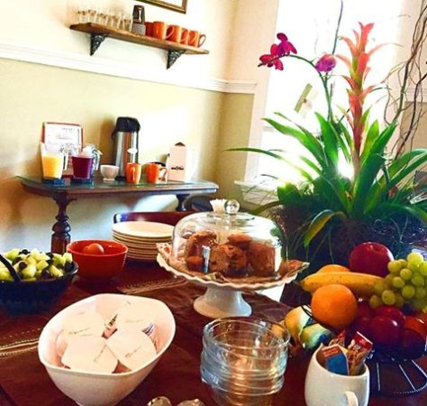 Bourne Bed & Breakfast: Our Continental Breakfast