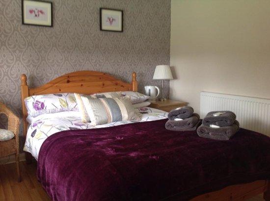 The Lodge Bed & Breakfast: Bedroom 3