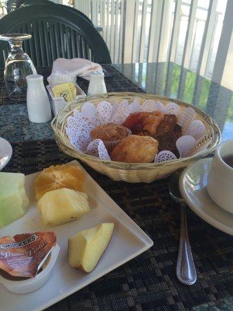كوكو لابالم سي سايد ريزورت: Breakfast, dinner and beach