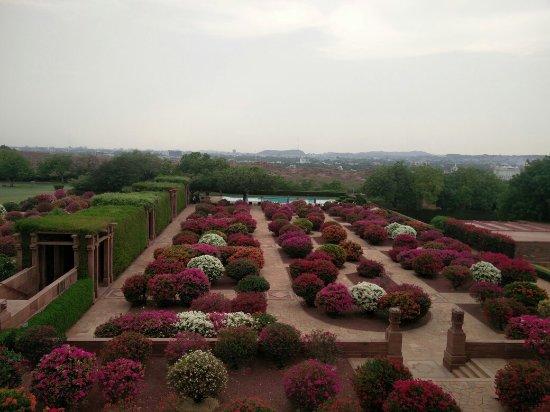 Umaid Bhawan Palace Jodhpur: Garden of eden