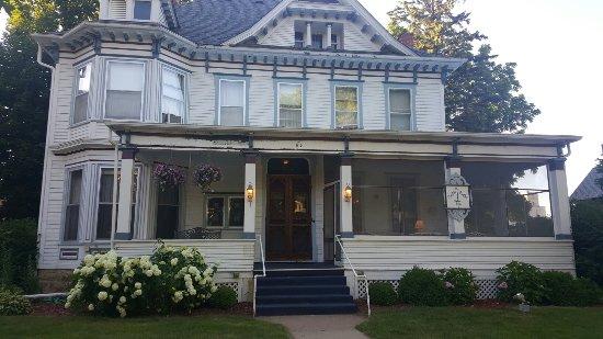 Candlelight Inn: June 2016