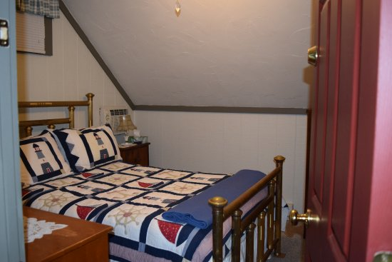 East Otis, MA: bedroom in the bunk house