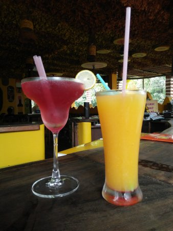 Анджуна, Индия: Cosmo & SOTB