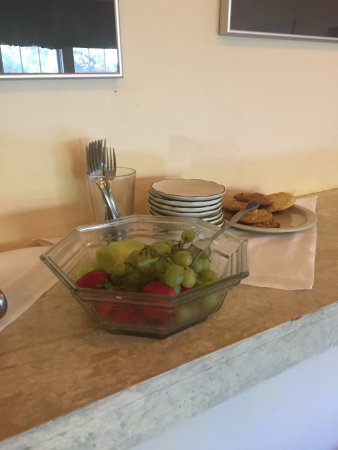 Walnut Grove, Kaliforniya: This is your continental breakfast