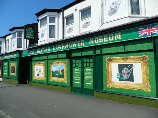 ‪British Lawnmower Museum‬