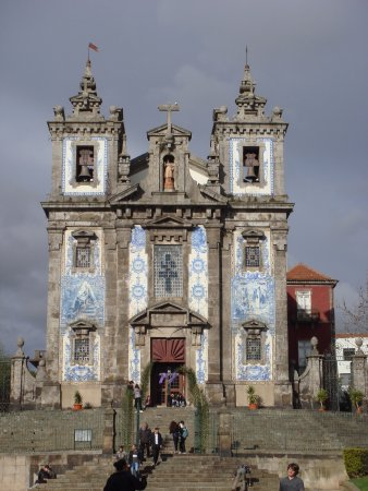 Mercure Porto Centro Hotel: Iglesia San Ildefonso