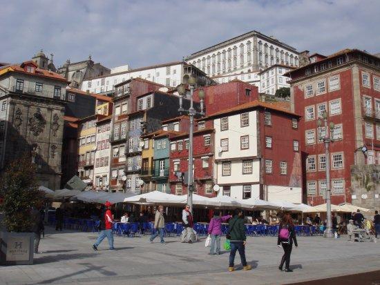 Mercure Porto Centro Hotel: La Ribeira,zona de restaurantes junto al Duero!