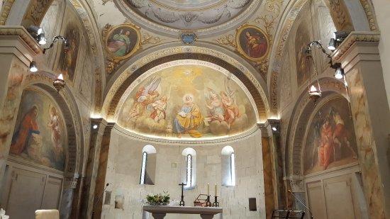 Rocca di Roffeno, Italie : Panoramica dell'abside della Antica Pieve di San Pietro a Rocca Roffena