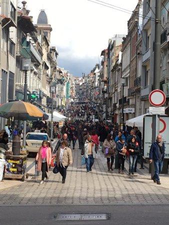 Mercure Porto Centro Hotel: Rua Santa Catarina,la calle comercial del centro de Oporto!
