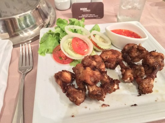 "Novotel Bangkok on Siam Square: Their ""Best"" Thai Style Chicken Wing."