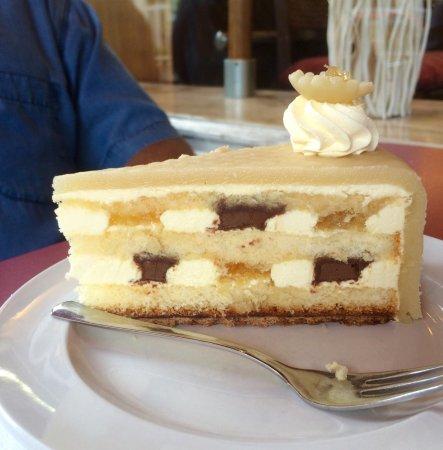 Cafe Nottebrock Bad Honnef Ananas Torte Mit Marzipan Bild Von