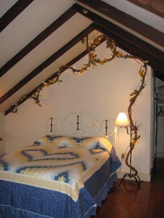 East Earl, PA: queen bed