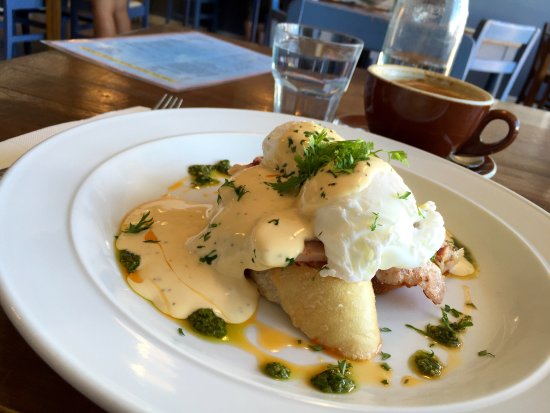Riverton, Nueva Zelanda: The best eggs Benedict ever!