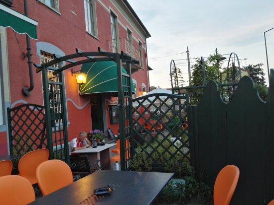Carignano, Italia: esterno pub, molto facile da raggiungere