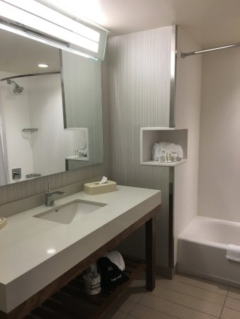 Superior Room Comfort; Close to Campus Entrance