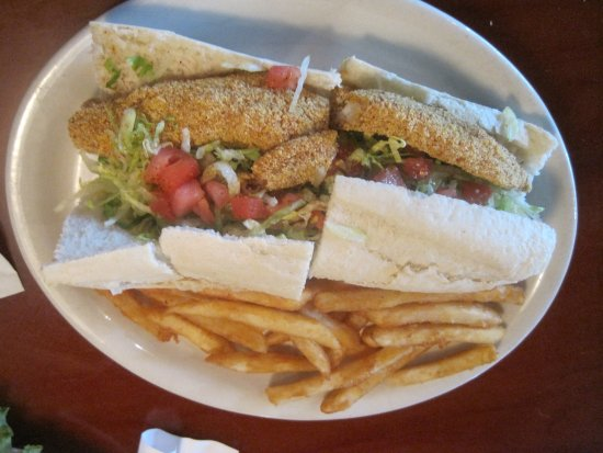 Poppy's Seafood Grille: Catfish and Shrimp Po'boy with fries